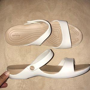 Crocs Cleo Dual Comfort Sandals